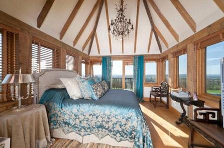 远南木屋欧式阁楼卧室的装饰思路
